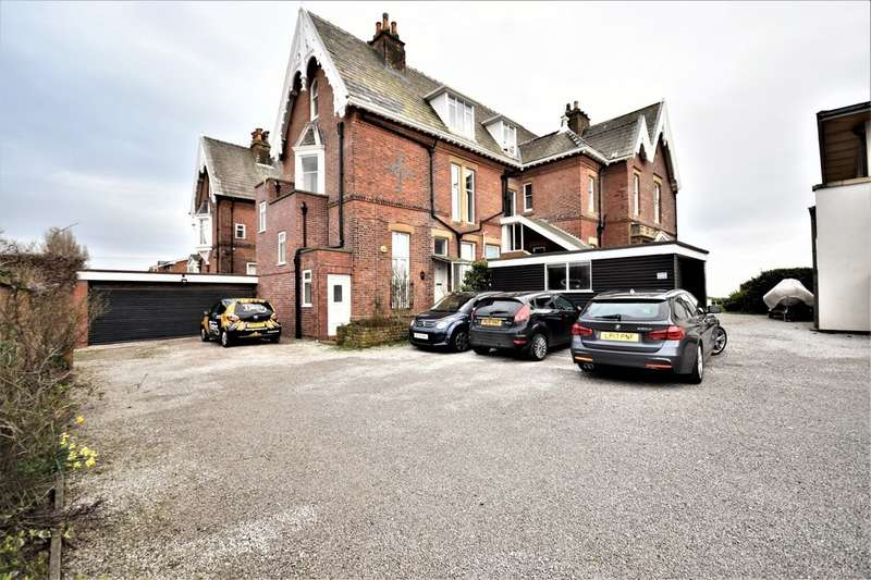 3 Bedrooms Flat for sale in Clifton Drive, Lytham St Annes