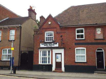 House for sale in High Street South, Dunstable, Bedfordshire