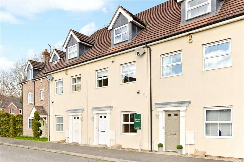 4 Bedrooms Terraced House for sale in Harewelle Way, Harrold, Bedfordshire