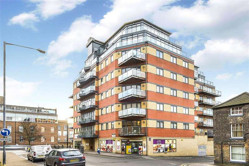 2 Bedrooms Flat for sale in Thorngate House, St. Swithins Square, LN2