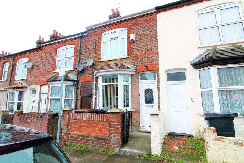 2 Bedrooms Terraced House for sale in Lovely Starter Home! Norman Road, Luton