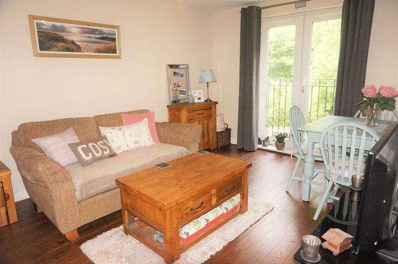 2 Bedrooms Apartment Flat for sale in Lamtarra Way, Newbury