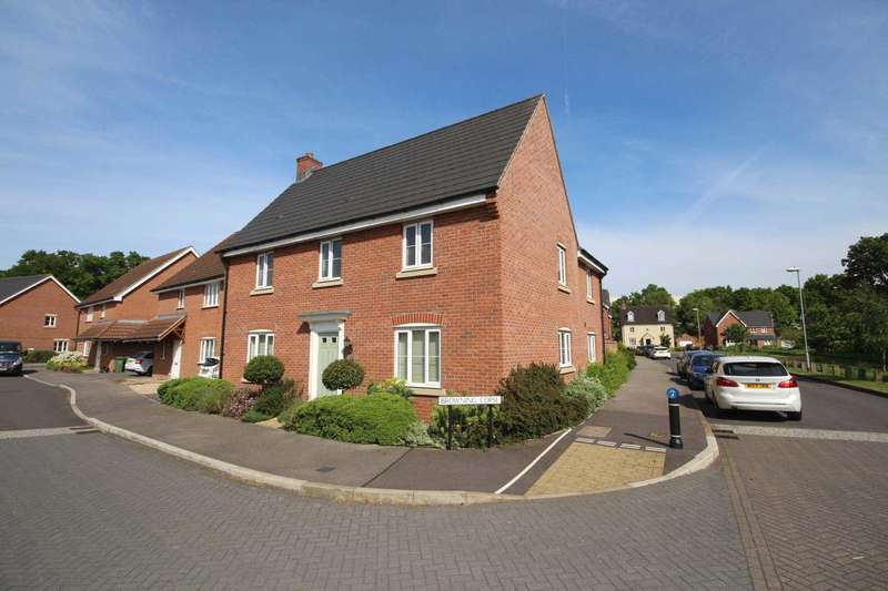 4 Bedrooms Detached House for sale in Browning Copse, Wykery Copse