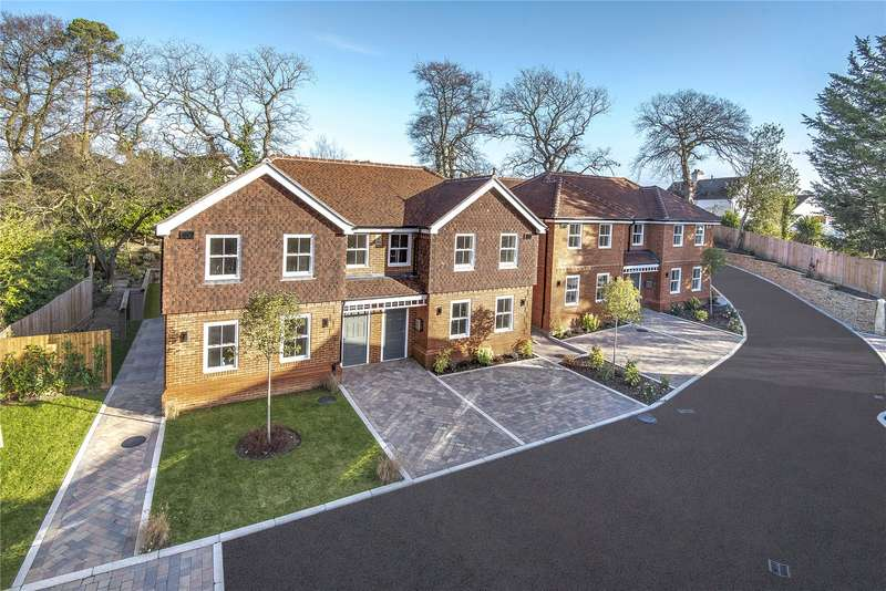 4 Bedrooms Semi Detached House for sale in Hare Hill, Rowtown, Surrey, KT15