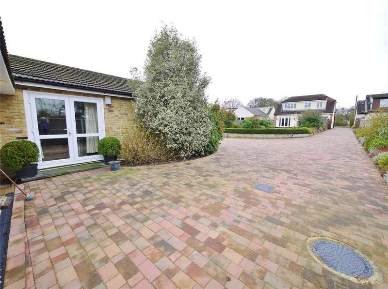 4 Bedrooms Detached House for sale in Coxtie Green Road, Pilgrims Hatch, Brentwood, Essex, CM14