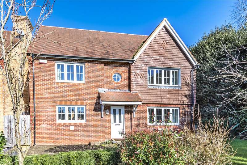 4 Bedrooms Detached House for sale in Blackberry Road, Petworth
