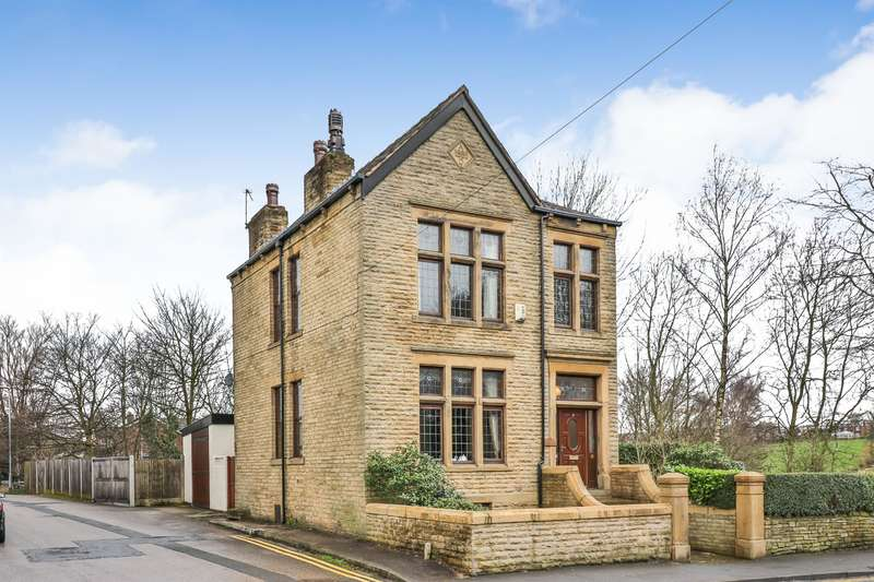 4 Bedrooms Detached House for sale in Smithy Bridge Road, Littleborough, OL15 8QF