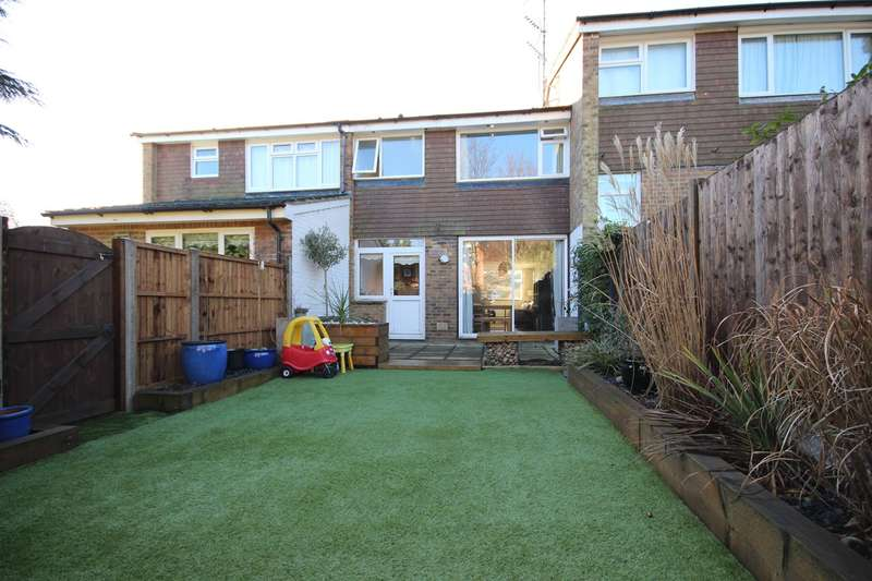 3 Bedrooms Terraced House for sale in Verne Drive, Ampthill, MK45