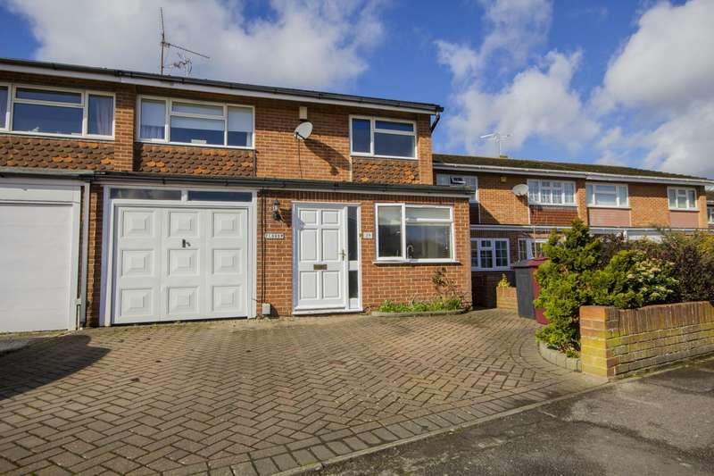 3 Bedrooms Semi Detached House for sale in Hardwick Road, Tilehurst, Reading, RG30
