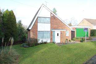 3 Bedrooms Detached House for sale in Oakfield, Hawkhurst, Cranbrook