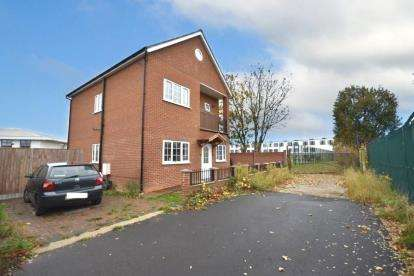 5 Bedrooms Detached House for sale in Ilford