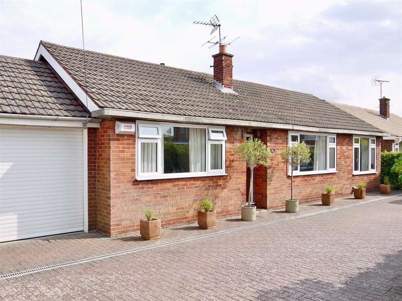 2 Bedrooms Detached Bungalow for sale in Rushcliffe Road, Grantham