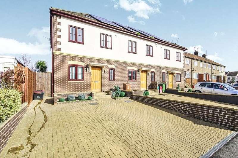 4 Bedrooms Property for sale in Rushdene, Abbey Wood , London, SE2