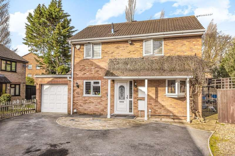 4 Bedrooms Detached House for sale in Slough, Berkshire, SL1