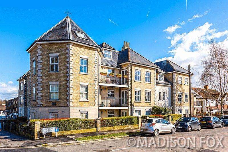 2 Bedrooms Apartment Flat for sale in Manor Road IG7