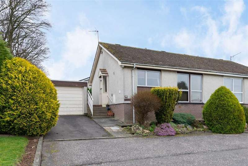 2 Bedrooms Bungalow for sale in Osnaburgh Court, Dairsie, Fife