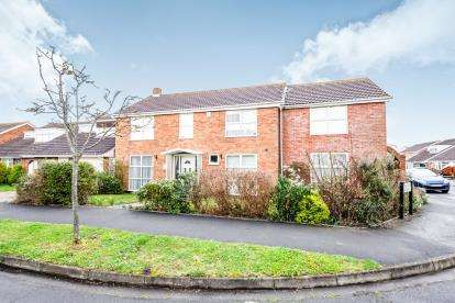 6 Bedrooms Detached House for sale in Hayling Island, Hampshire