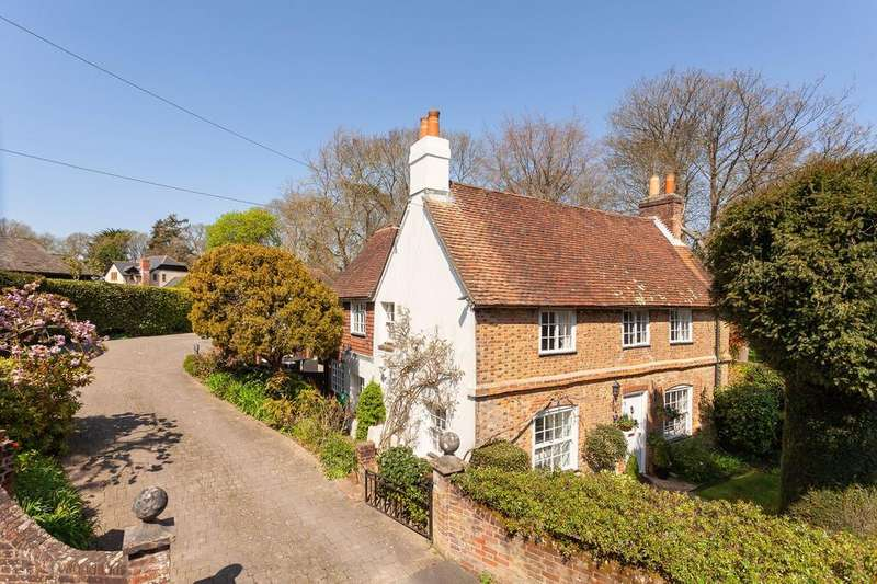 4 Bedrooms Cottage House for sale in High Street, Bursledon, Southampton SO31