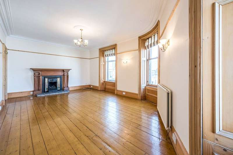 3 Bedrooms Flat for sale in King Street, Montrose, DD10