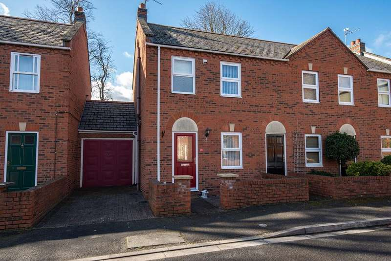 3 Bedrooms Town House for sale in Chancery Court, Spalding, PE11
