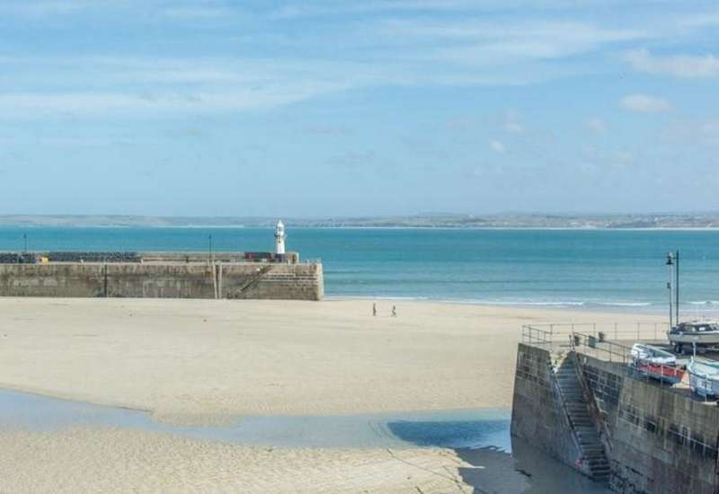 2 Bedrooms Property for sale in The Boathouse Loft Wharf Road St. Ives Cornwall TR26 1LF