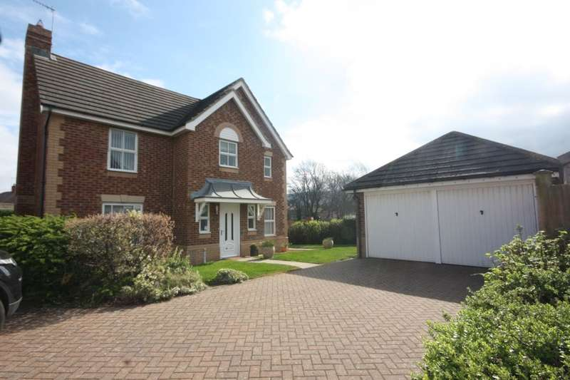 4 Bedrooms Detached House for sale in Roseberry Mount, Guisborough, TS14