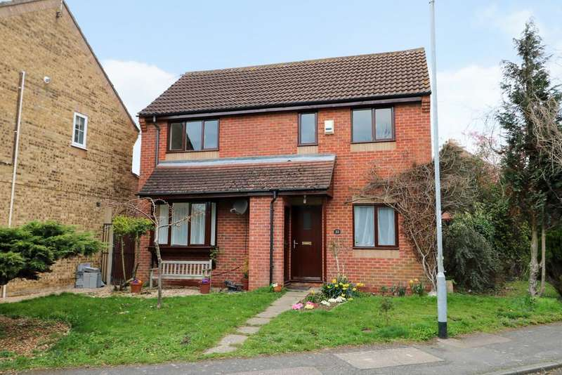 3 Bedrooms Detached House for sale in The Spinney, Bar Hill