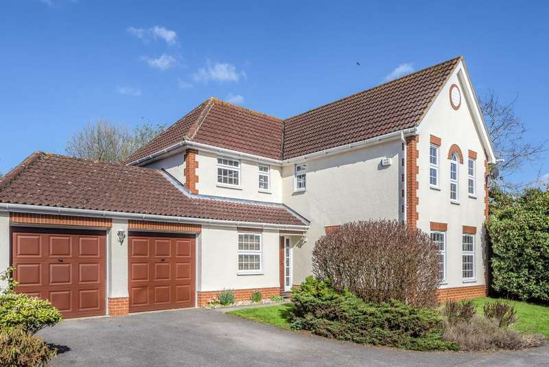 4 Bedrooms Detached House for sale in Goughs Lane, Warfield, Berkshire, RG12