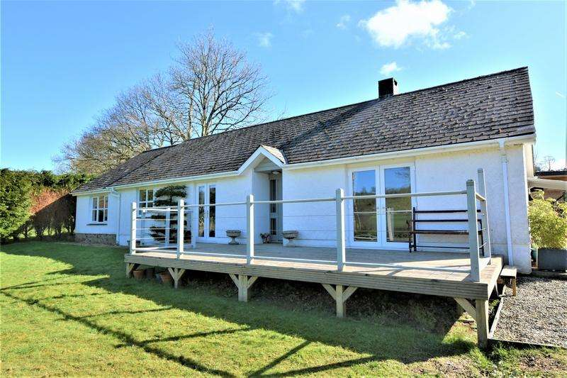 3 Bedrooms Detached Bungalow for sale in Pontsian, Llandysul SA44