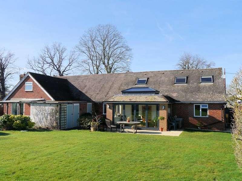4 Bedrooms Detached House for sale in Osborne Lane, Warfield RG42