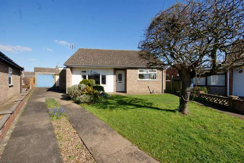 3 Bedrooms Detached Bungalow for sale in St. Benedicts Close, North Hykeham