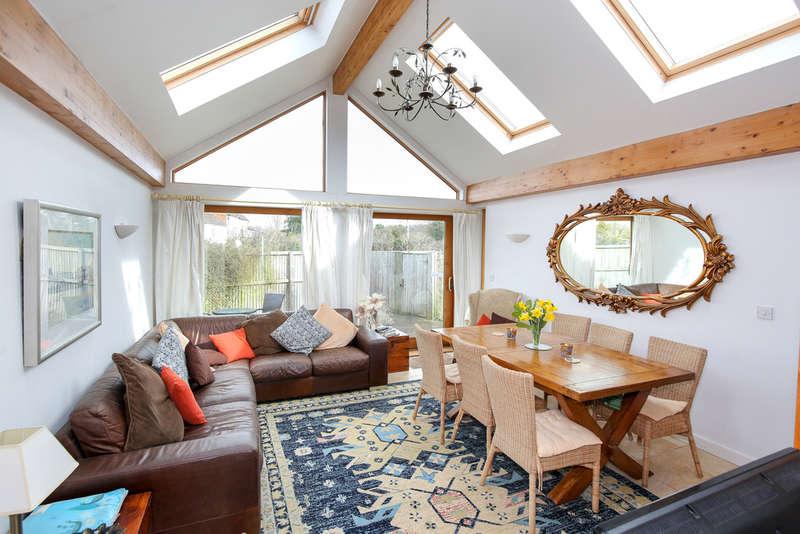 6 Bedrooms Detached Bungalow for sale in West Ashton, Trowbridge