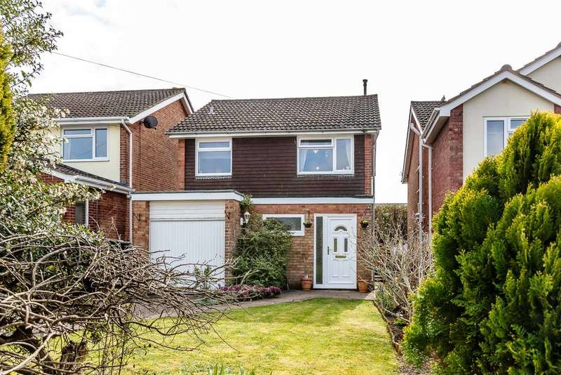 3 Bedrooms Detached House for sale in School Crescent, Lydney