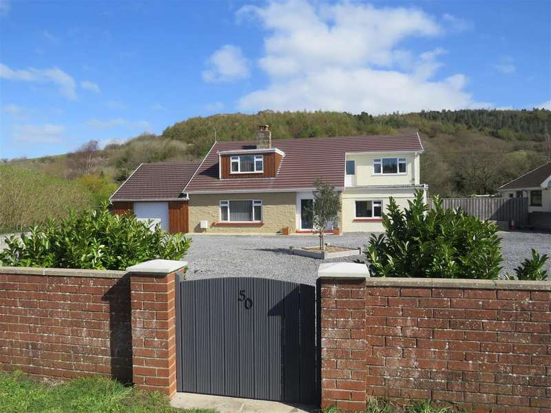 4 Bedrooms Detached House for sale in Lando Road, Pembrey, Burry Port