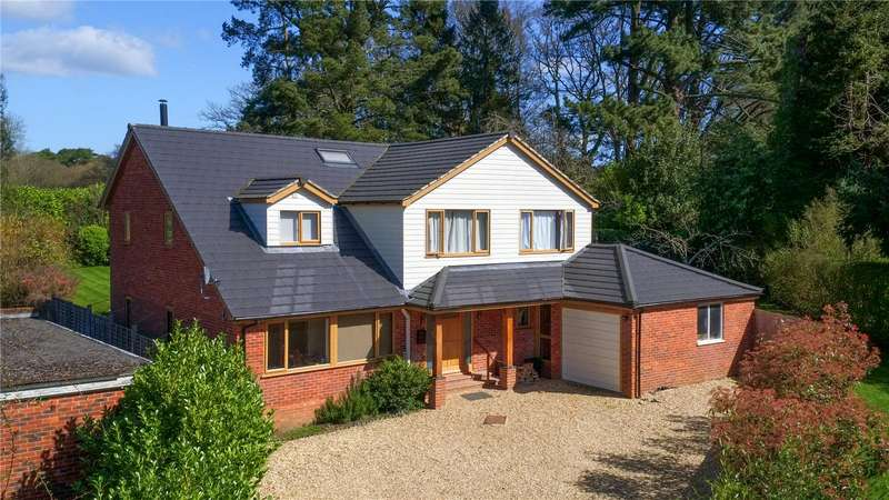 4 Bedrooms Detached House for sale in Mayfield Road, Fordingbridge, Hampshire, SP6