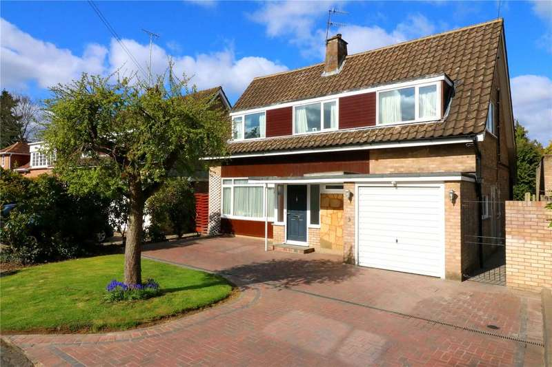 5 Bedrooms Detached House for sale in Bay Tree Walk, Nascot Wood, Watford, WD17
