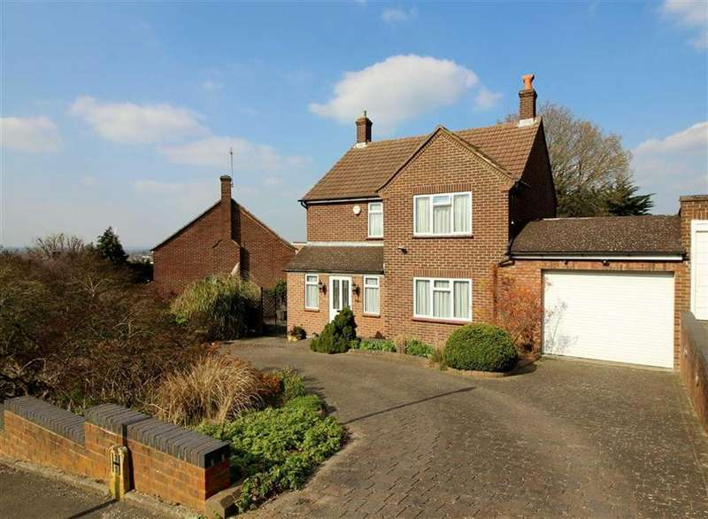 3 Bedrooms Detached House for sale in Masefield Avenue, Borehamwood, Herts