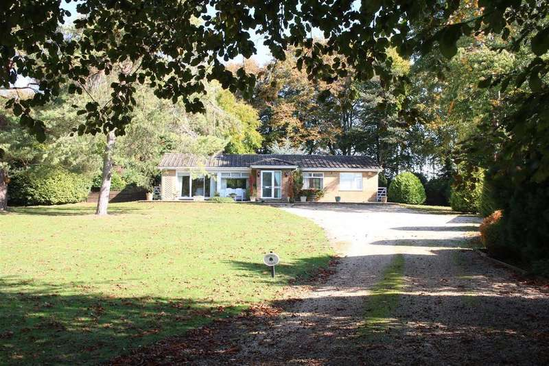 3 Bedrooms Detached Bungalow for sale in Bridle Way, Goring, Oxfordshire