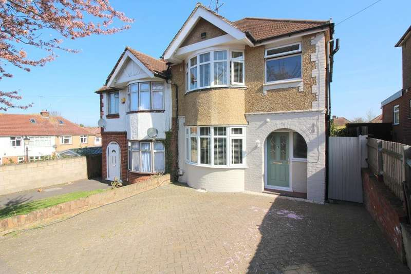 3 Bedrooms Semi Detached House for sale in Somerset Avenue, Luton, Bedfordshire, LU2 0PL