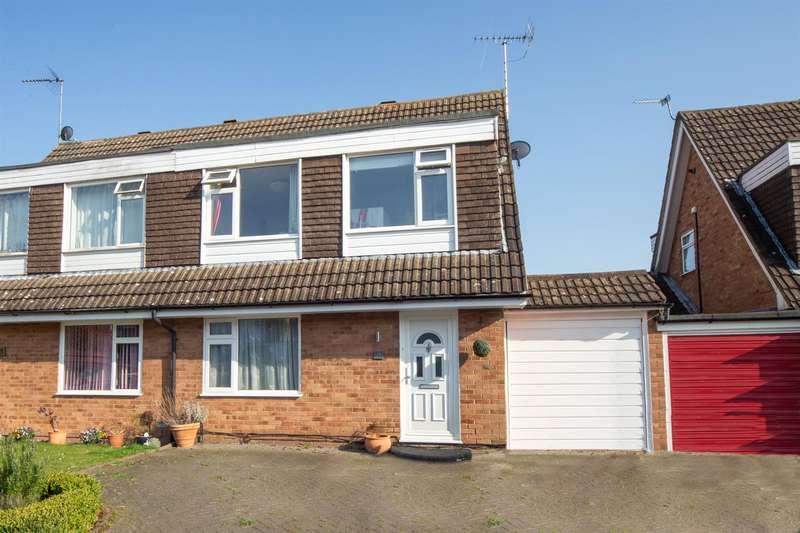 3 Bedrooms Semi Detached House for sale in Hillcroft, Dunstable, Bedfordshire