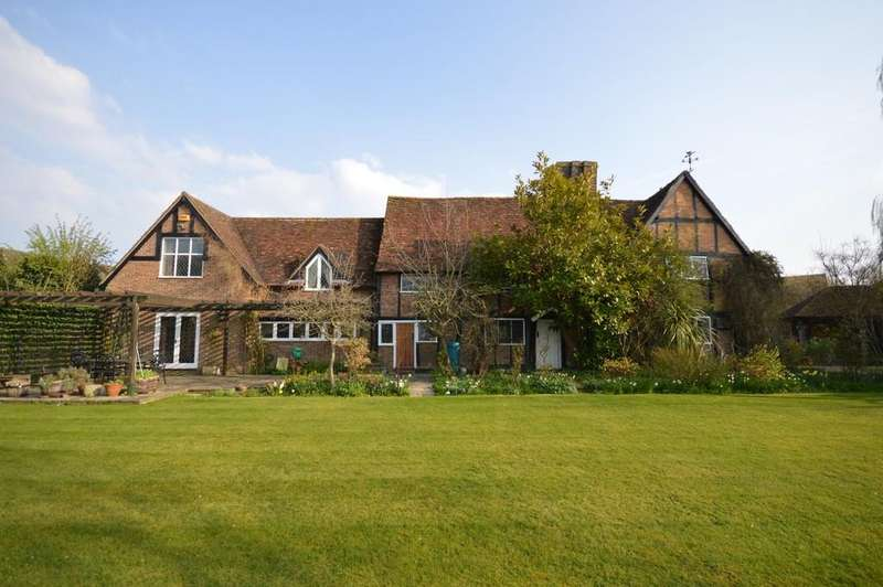 4 Bedrooms Manor House Character Property for sale in The Green, Pitstone