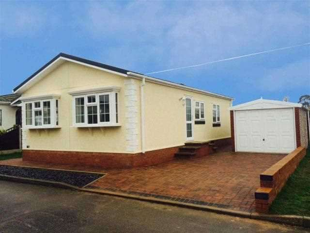 2 Bedrooms Bungalow for sale in Lyndhurst Estate, Sea Lane, Ingoldmells