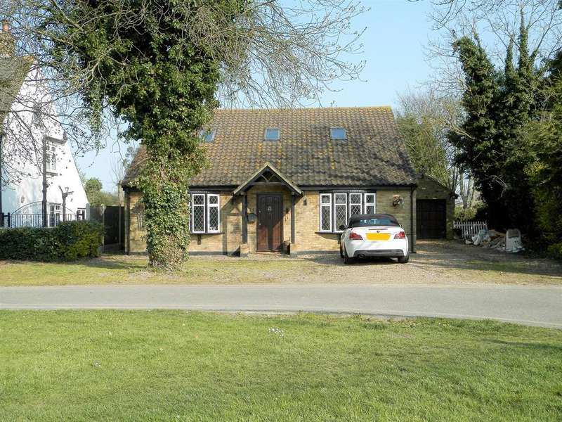 4 Bedrooms Detached House for sale in The Green, South Ockendon, Essex RM15