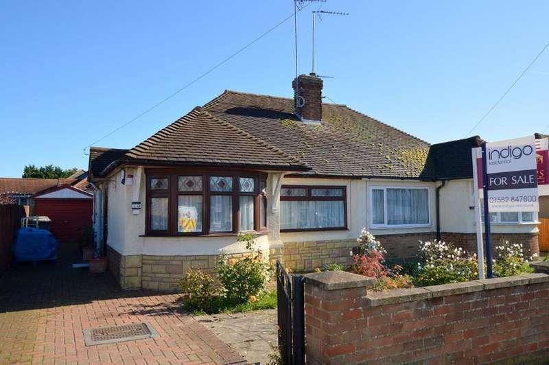 2 Bedrooms Bungalow for sale in Laburnum Grove, Warden Hills, Luton, Bedfordshire, LU3 2DW