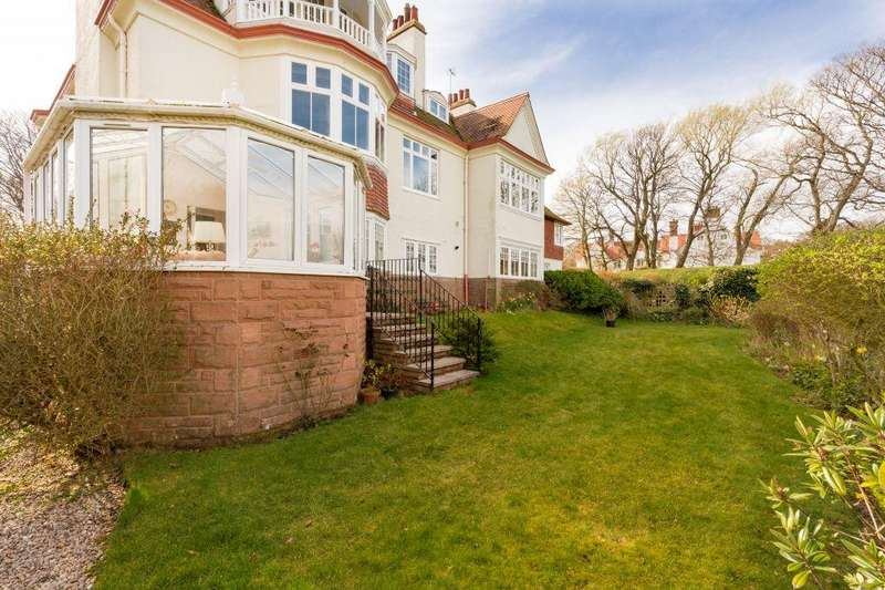 3 Bedrooms Ground Flat for sale in 1 Edradour House, Strathearn Road, North Berwick, EH39 5BZ