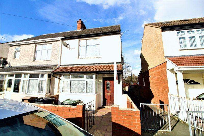 3 Bedrooms Semi Detached House for sale in Family Home on Sherwood Road, Luton