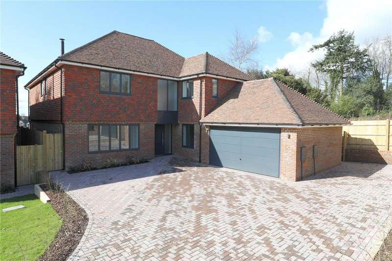 5 Bedrooms Detached House for sale in Musgrove Place, Crowborough Hill, Crowborough, East Sussex, TN6