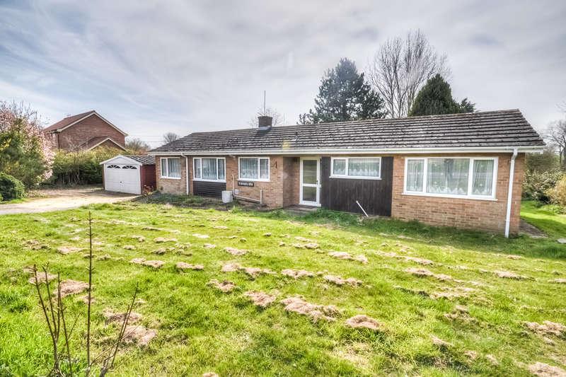 3 Bedrooms Detached Bungalow for sale in Wissett Road, Halesworth