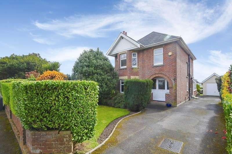 3 Bedrooms Detached House for sale in Manor Avenue, Parkstone, Poole