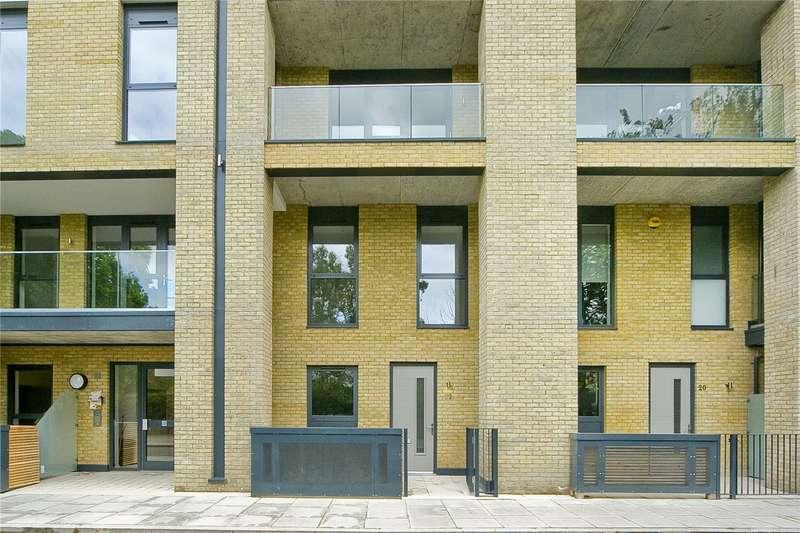 3 Bedrooms Maisonette Flat for sale in Goldsmiths Row, Bethnal Green, E2